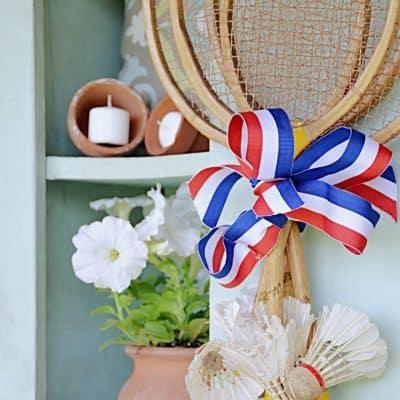 Vintage Badminton Racquets & Birdies for a Fun Summer Front Door Wreath!