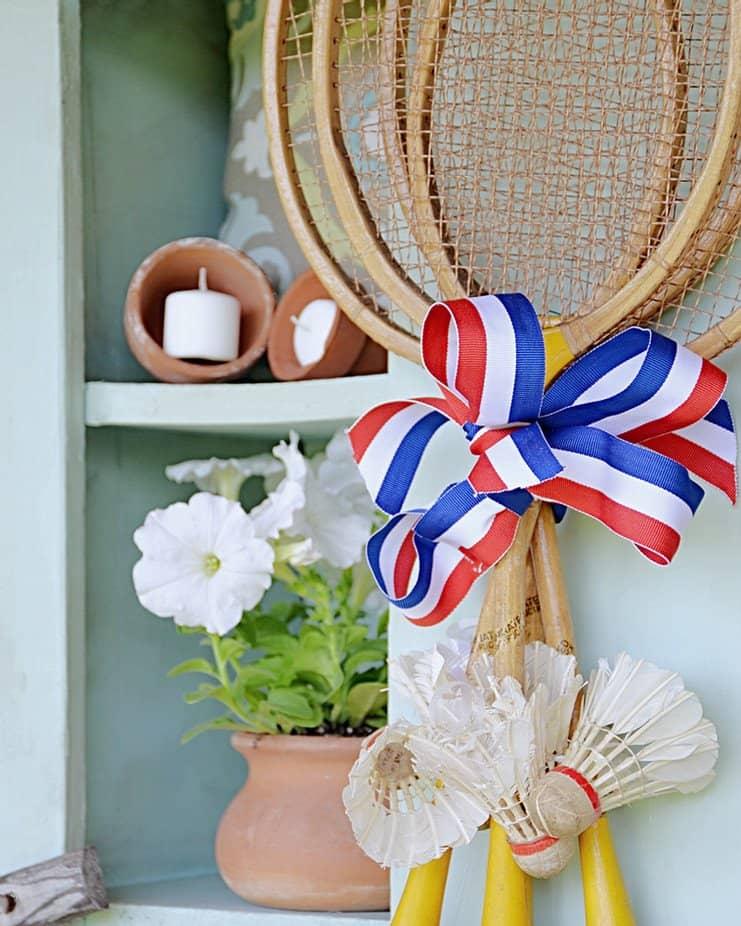 DIY Summer Wreath with Vintage Badminton Racquets