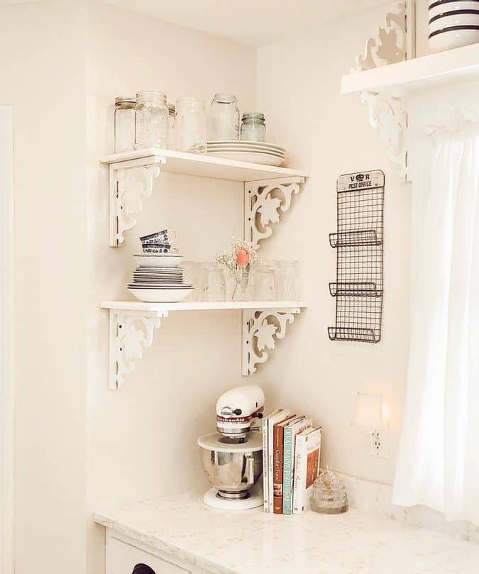 White Paint Colors for Walls