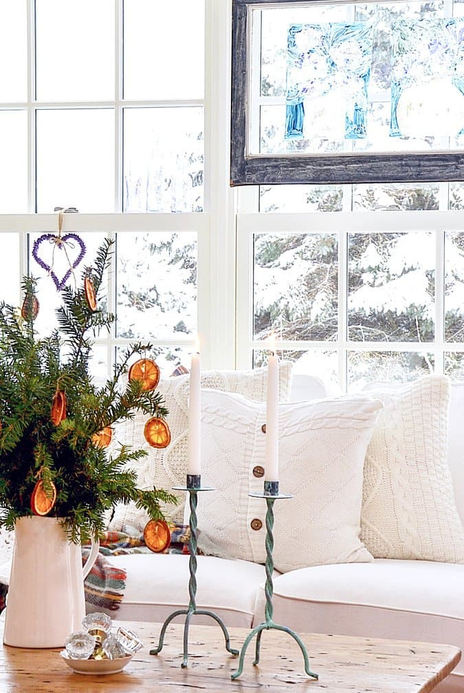 Simple Christmas Decor and DIY Project.