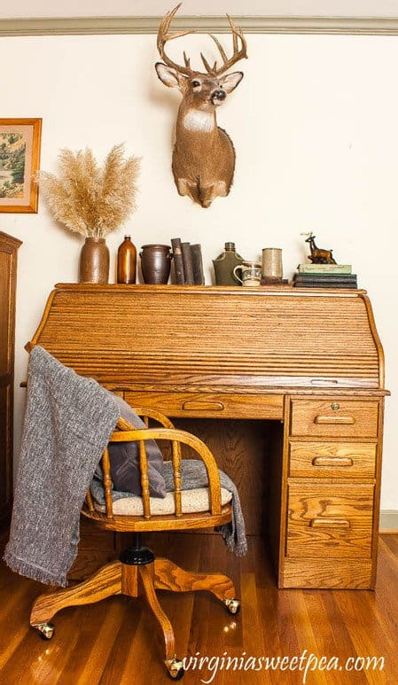Cabin Decor Office Desk with Vintage Finds.