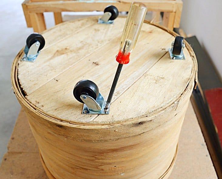 Simple DIY Vintage Crate Mobile Table