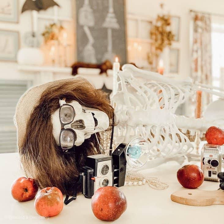 How to Make a Halloween Skeleton Centerpiece