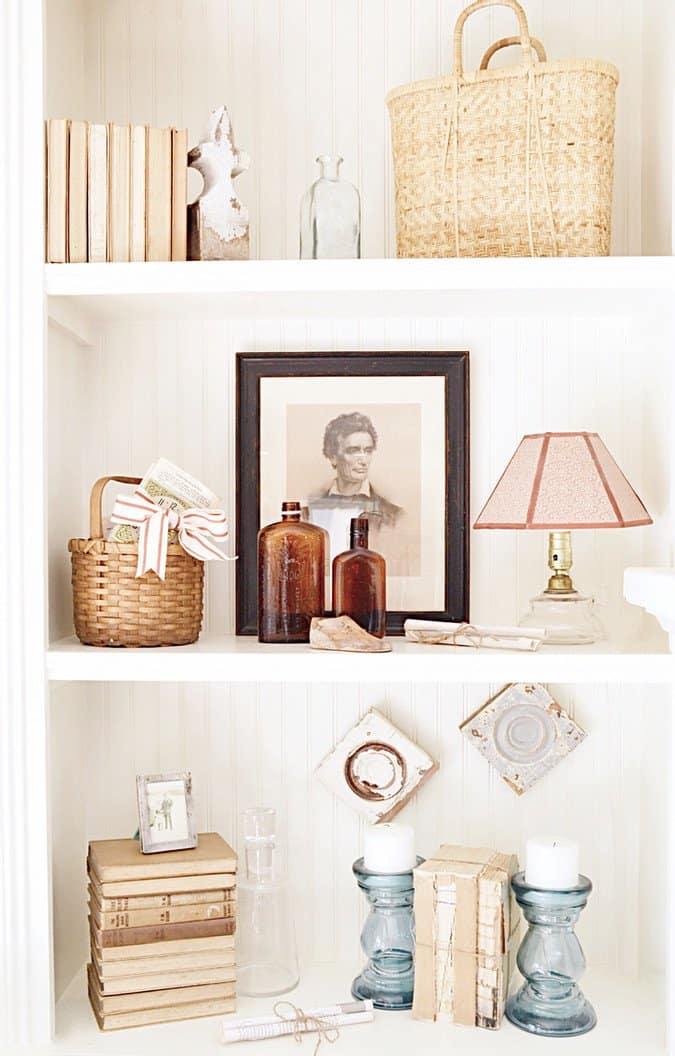 Simple Christmas Decor w/ Vintage Charms.
