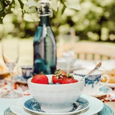 A Patriotic Alfresco Breakfast Table