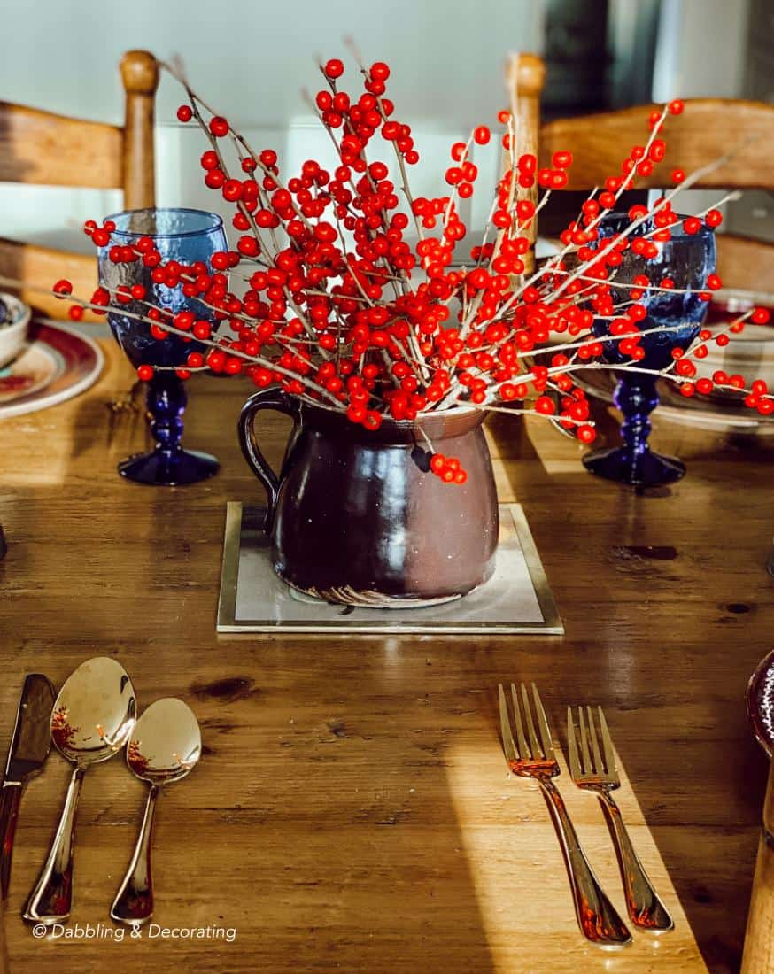 A Simple yet Imaginative Mixed Pottery Winter Table