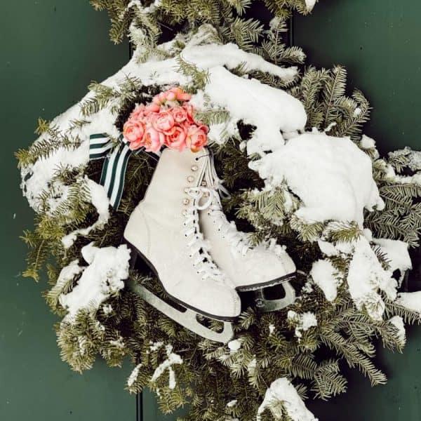 Evergreen wreath with iceskates