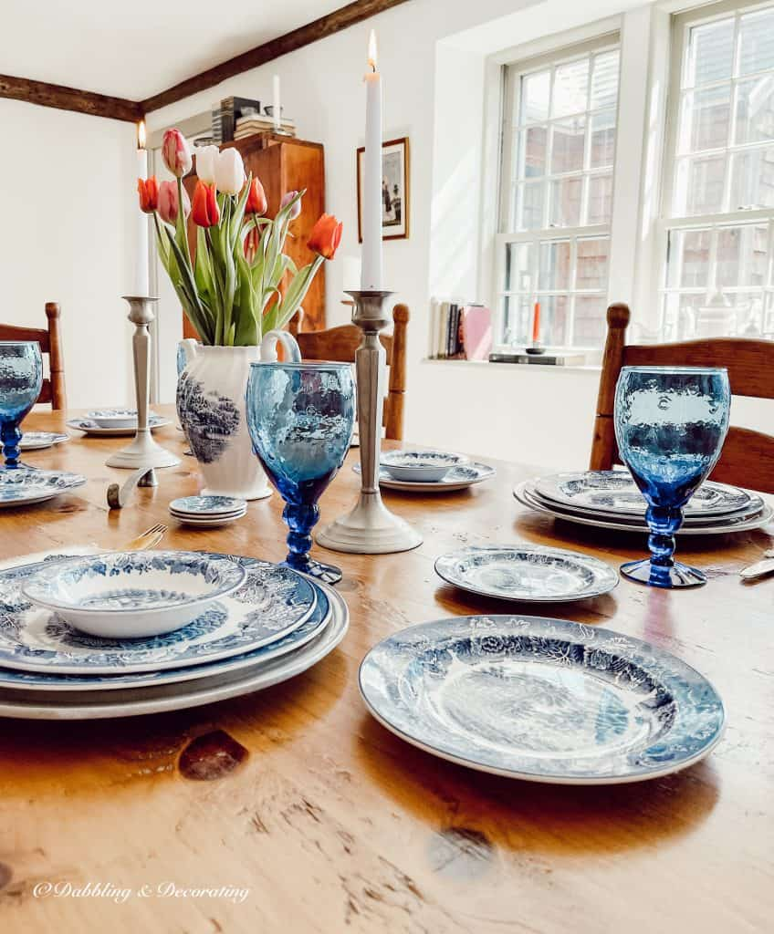 Blue and White Tablesetting with spring tulips