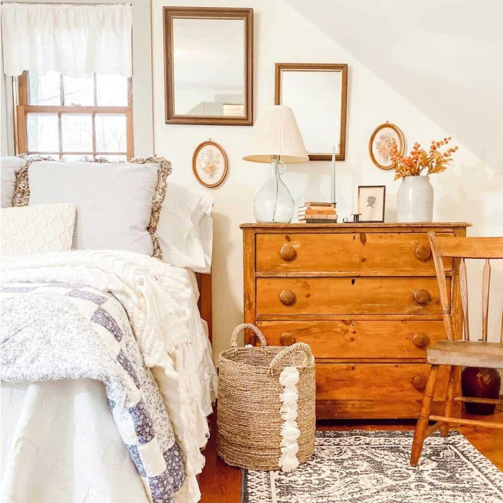 GUEST ATTIC BEDROOM