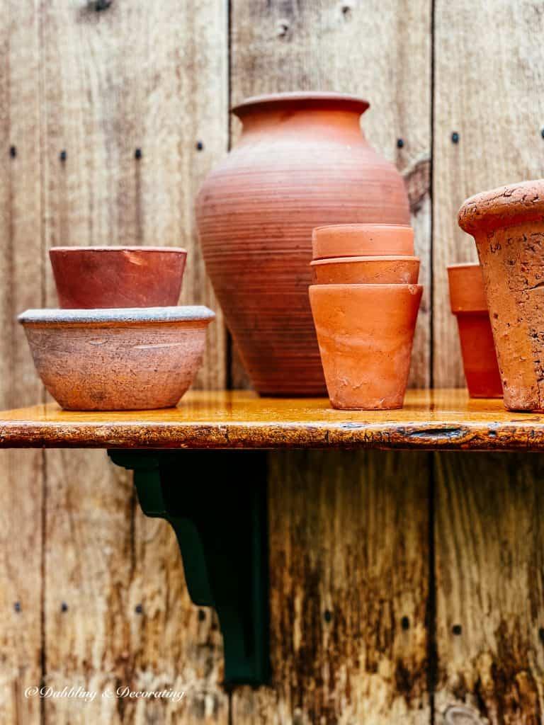 Outdoor DIY Planter Shelf