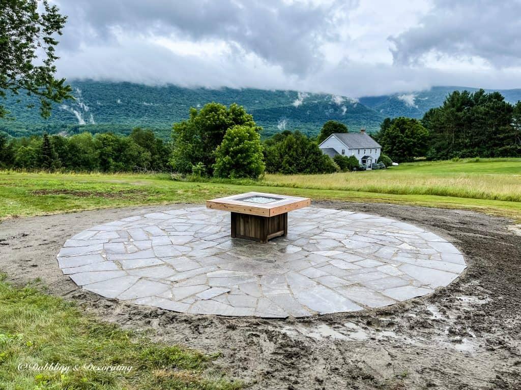 How to Design a Backyard Fire Pit Conversation Set