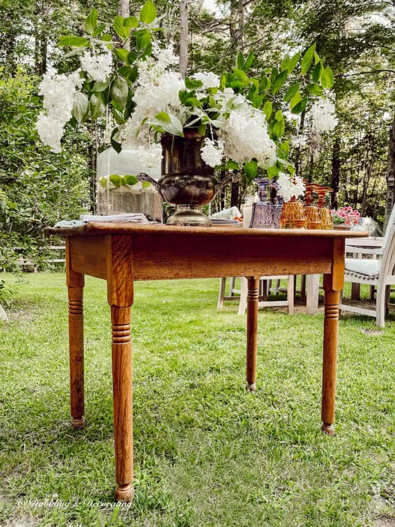 The Cutest Little Outdoor Beverage Table