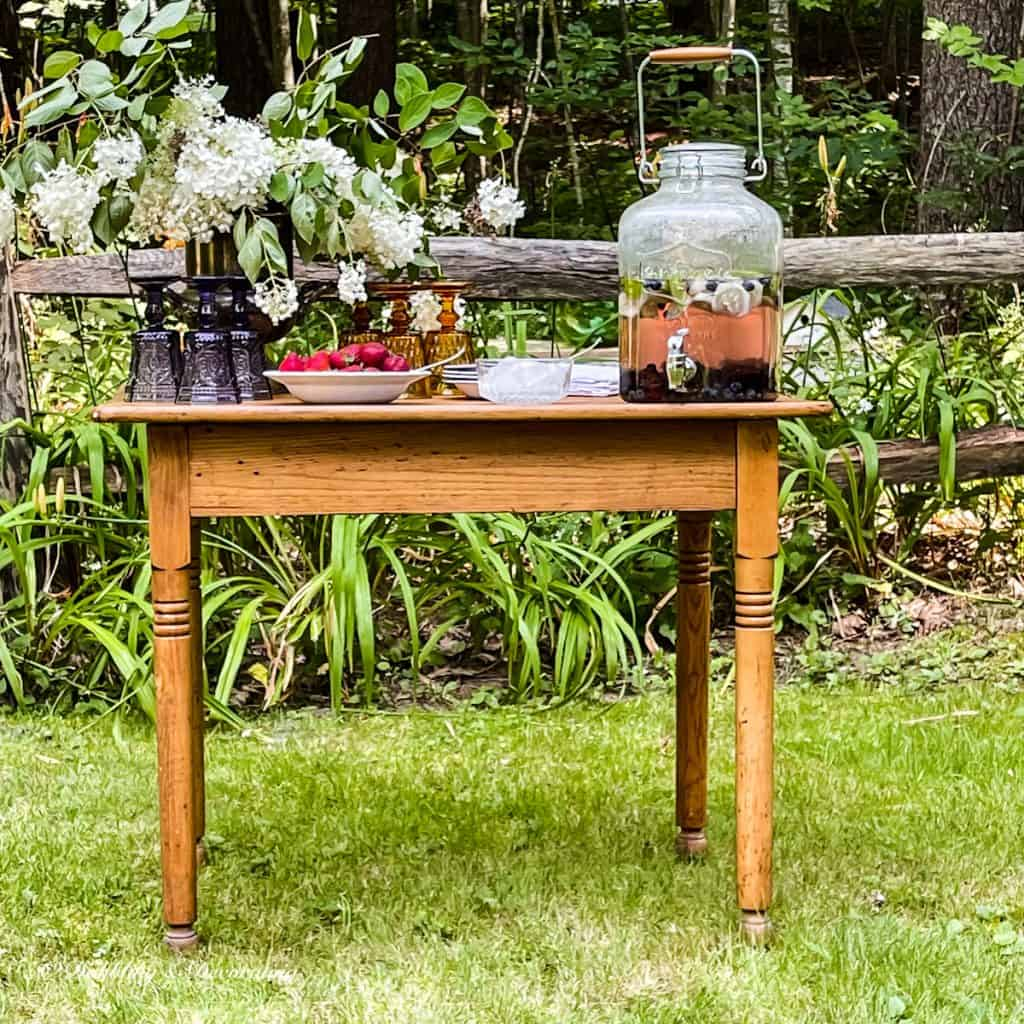 The Cutest Little Outdoor Beverage Table from second hand shops
