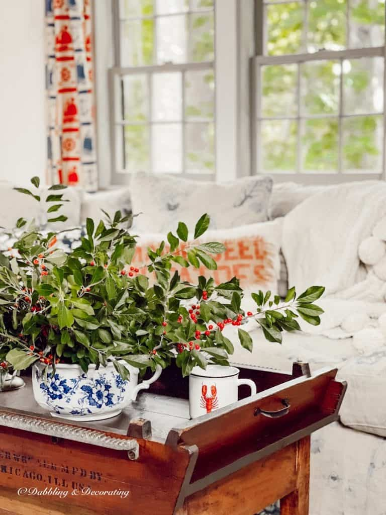 coffee table with winterberry