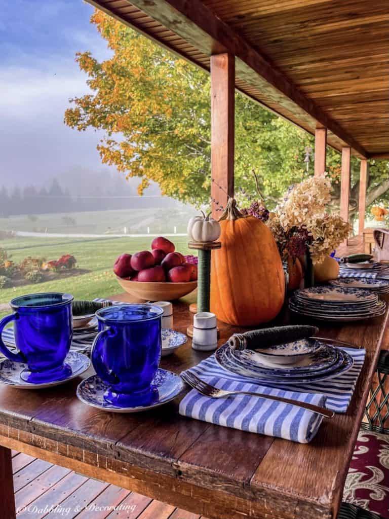 October Blue Tablesetting